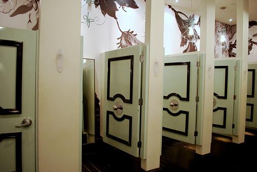 fittingrooms